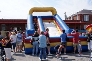bouncy-house-at-thomas-the-tank-event.jpg