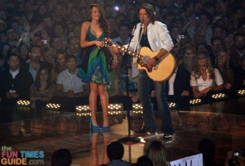 miley-cyrus-and-billy-ray-cryus-2007-cma-awards
