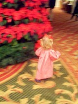 taking-christmas-photos-at-opryland-nashville.jpg